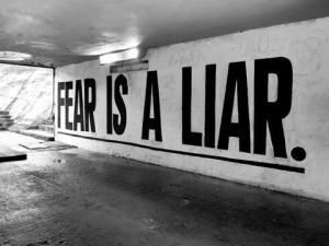 Don't-Let-Fear-Hold-Back-Your-Entrepreneurial-Instincts